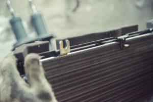 Замена радиатора кондиционера у приоры
